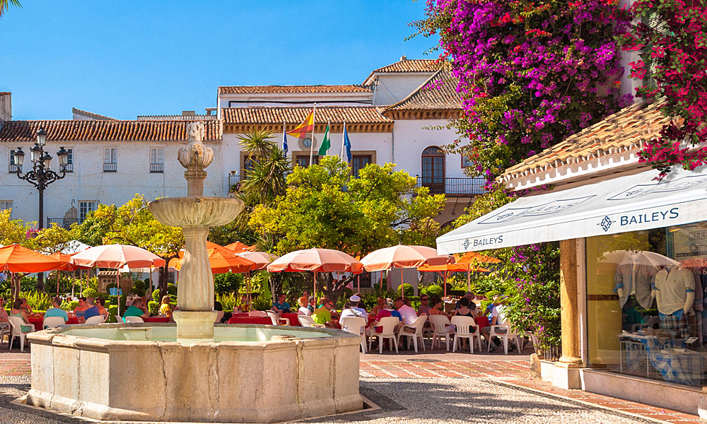 things to see and do in Marbella - Visit Plaza de los Naranjos and the old town